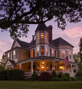 Oaks Victorian Inn - B&B