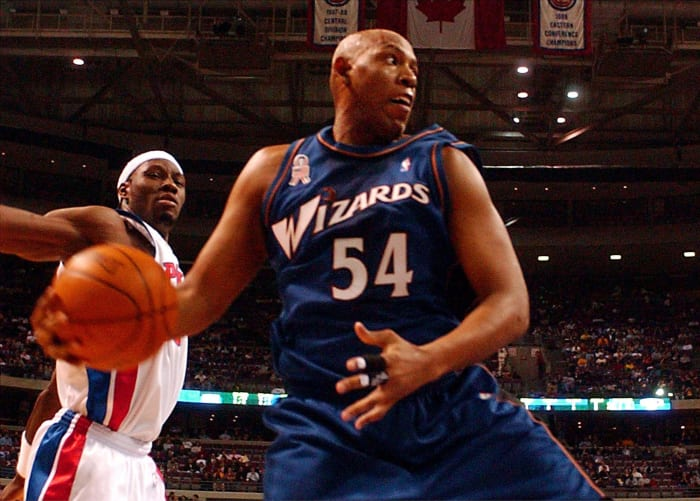 Popeye Jones tries to save ball, ends up with two points