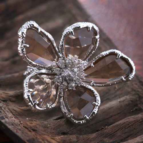 Sepia Flower Ring Made with Elements from Swarovski.