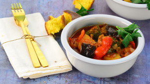 Red vegetable stew mbynyd
