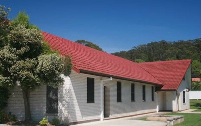 Ourimbah church zuejqw