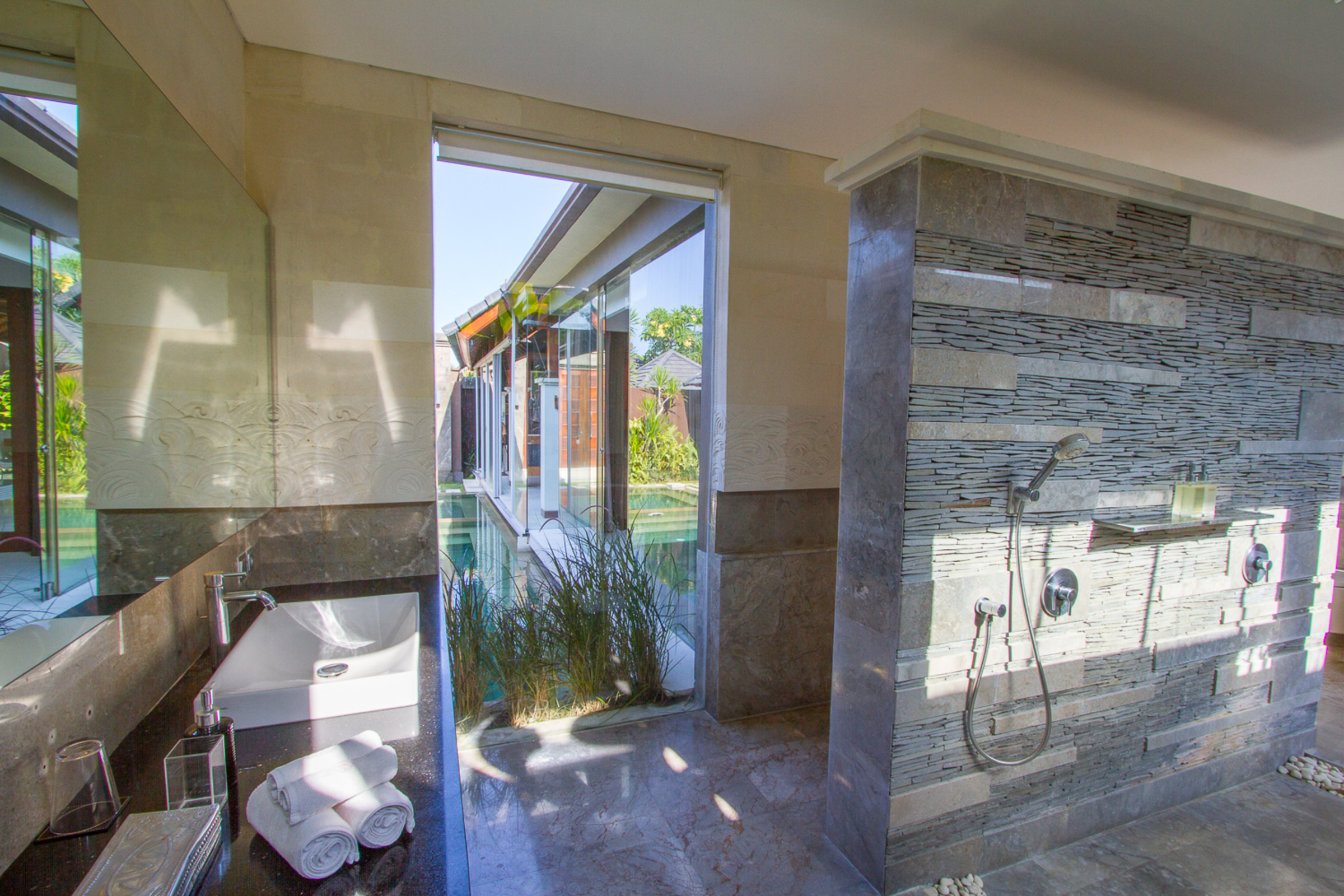 Meuble Salle De Bain Bath And Kitchen ~ Villa Ava Iii Seminyak Bali Rental Villas Villas In Bali