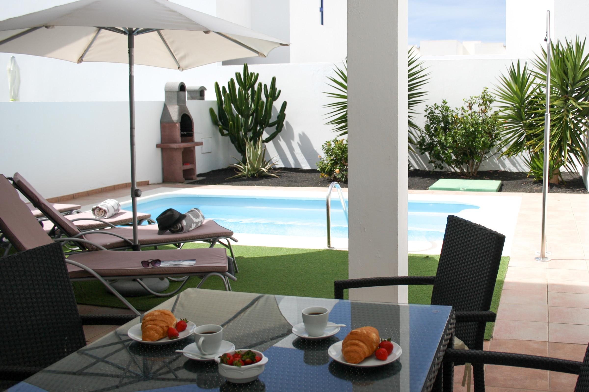 Villa Vera 3bed Terraced Villa With Private Pool In Playa Blanca  # Muebles Kitea Lanzarote