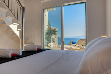 Beautiful view as a great complement to this calm bedroom 2