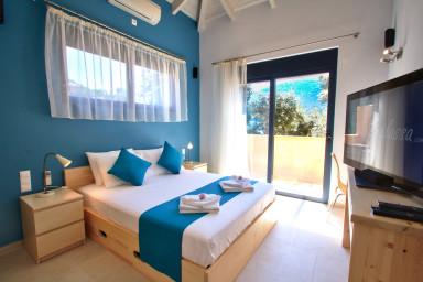 Villa Amoudia - Luxueuse villa directement sur la plage avec piscine privée