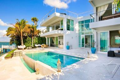 Villa John