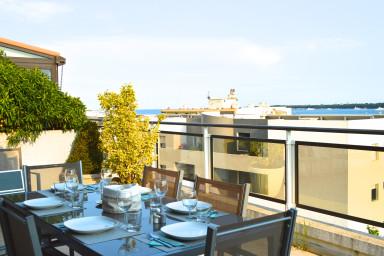 Takvåning med underbar terrass med enastående utsikt