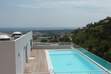 Lyxig lägenhet i Mandelieu med många bekvämligheter och underbar havsutsikt