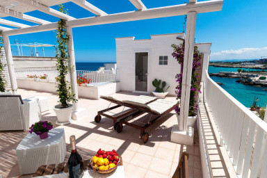 Scilla House: Apartment with Sea-View Terrace in Monopoli