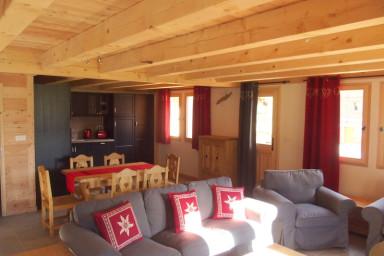 Le LONGET : Chalet de 6-8 places 120 m2 Hameau du Roubion