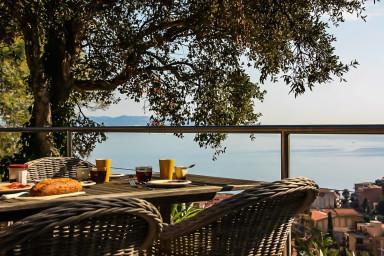 Luxuös villa med välkomnade och semestervänlig känsla