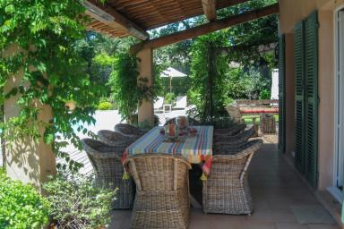 Vacker villa med pool i St Tropez