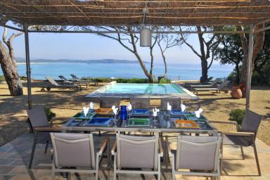 Fantastisk villa bara några meter från havet