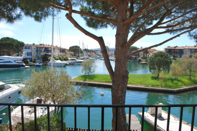 House with a 10m mooring and a beautiful view