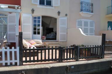 Maison de pêcheur rénovée avec Climatisation, WIFI et Amarrage 14m