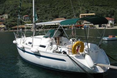 Bavaria 32 sailing boat for charter Lefkas