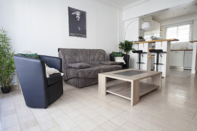 Beautiful apartment on the Croisette, in front of the Martinez Hotel.Ma...