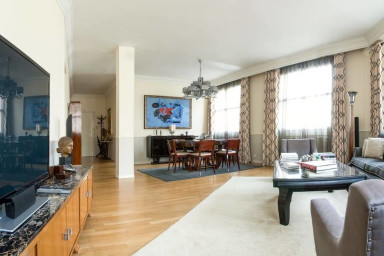 LARGE, LUXURY ART DECO 3 BDR APARTMENT BETWEEN BOURSE AND OPERA (SLEEPS 6)