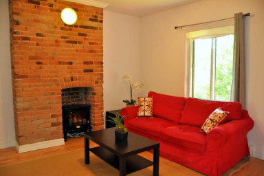 Le Montreal   ( minimum 3 month rental ) - 1025$/mois