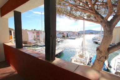 Bel appartement 4 pièces avec amarrage au centre de Port Grimaud
