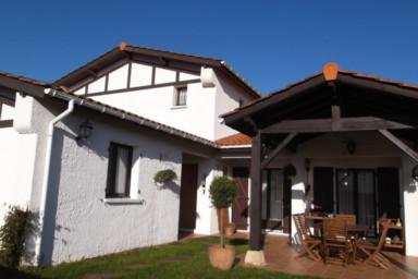 Pays Basque⎜ Maison familiale · Vue Rhune · 10p. · Terrasse couverte
