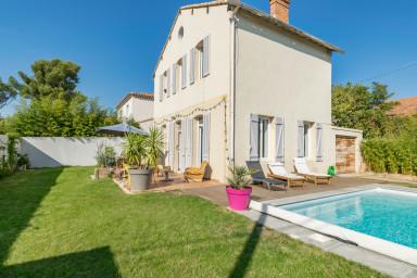 Charming modern and comfortable Villa-Pool
