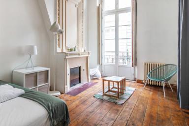 Appartement bourgeois au coeur de Bordeaux - W389
