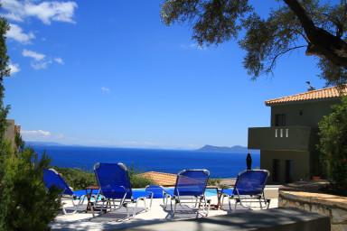 Villa Arkoudi, Vacanza da sogno con vista mare e sala cinema a Sivota