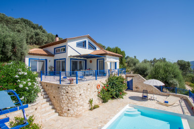 Villa Careta is nestled in a olive grove, peaceful for a great vacation.