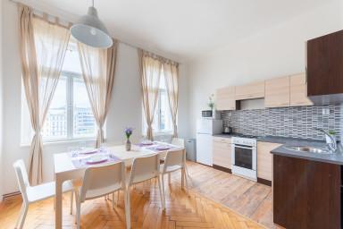 Violet Apartment