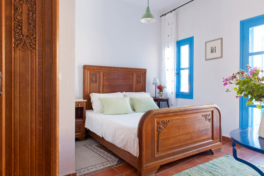 Icon Painter's Fish apartment in Koroni village by JJ Hospitality