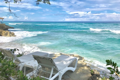 Amazing ocean views with many extras perks. Enjoy Fine caribbean living