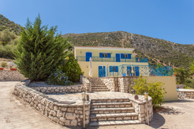Luxury Villa with Stunning View, Lift and Wheelchair Access