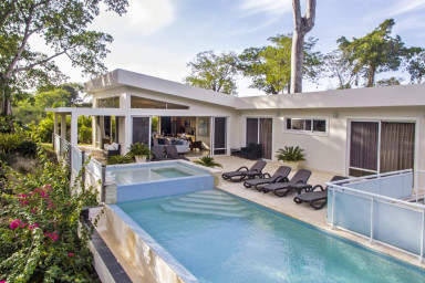 4 Master Suites in Modern, Private Villa with Poo