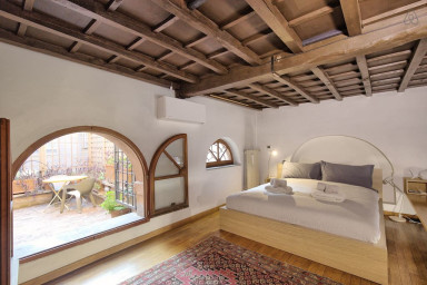 Nuovo! Appartamento a piazza Farnese.