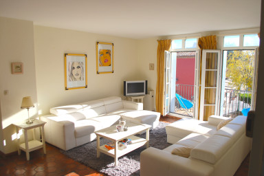 Large 4-room apartment with A/C and a 11,50m mooring