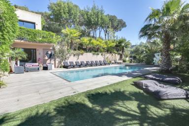 Villa de luxe proche de Saint Tropez avec piscine