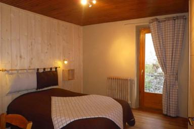 Logement au premier étage d'une maison de pays - Marie Laurence Jacquier