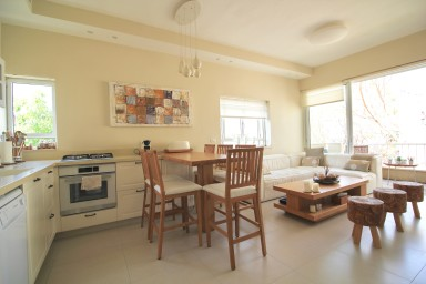 Nordau 62 - Cosy 2 bedrooms - Quiet with sunny balcony