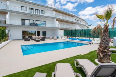 Oceanview Luxury 4 bedroom villa ★ private pool ★ Close to Meia Praia