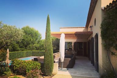 #LaMagnifique, beaux volumes 8 personnes, piscine, jardin paysager, Golf