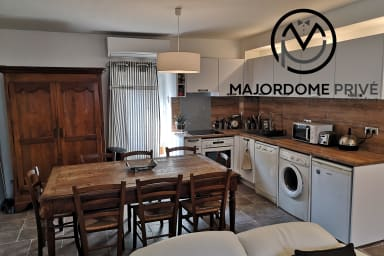 Voiron hyper center, near the station, superb renovated 2-rooms flat #M0