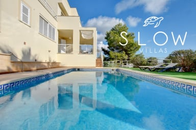 Villa Ulises - family villa with sea views in 500 meters from sandy beach