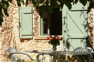 Le Jas, charming Mas in Provence with shared pool, nature, calm, space