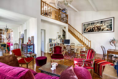 Beautiful and Stylish Villa in 19th near Parc des Buttes Chaumont