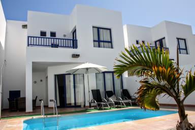 Casa Chloe | Acogedor adosado con piscina privada en Marina Rubicón