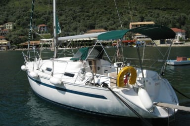 Bavaria 32 sailing boat for charter Lefkas
