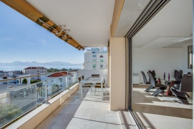 Beautiful bright apartment in Cannes