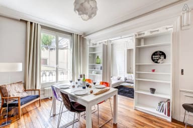 Spacious flat just two minutes from Champs-Elysées