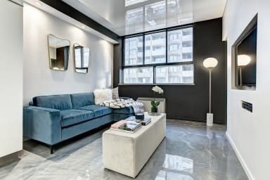 Beautiful apartment for couple's getaway in the heart of Downtown Montreal